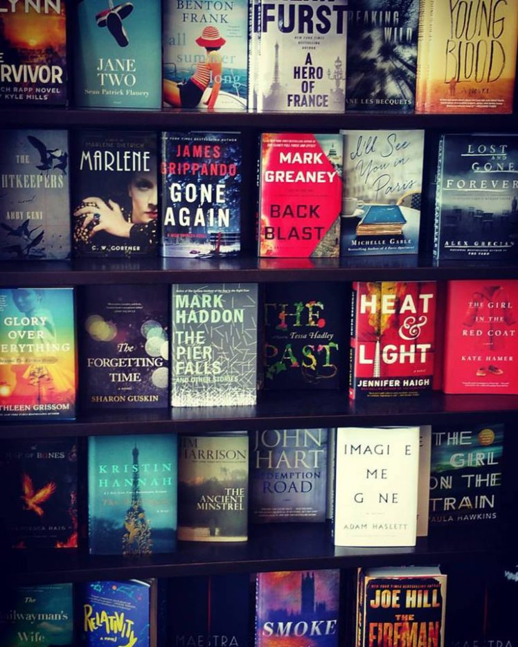 cropped-books1.jpg